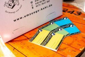 beschriften umzugskarton mehrfarbige etiketten verwenden